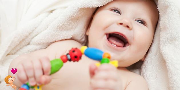 какие развивающие игрушки подходят для малышей до 6 месяцев